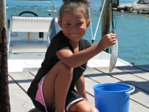 Amaya feeding the Tarpon